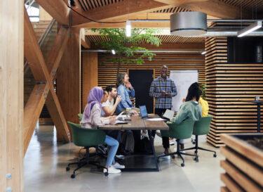 Kantoor medewerkers Adobe Stock