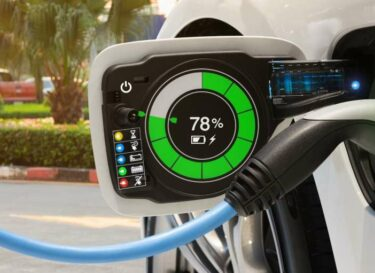 Adobestock elektrische auto opladen