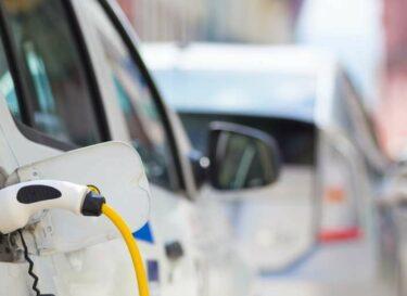 Adobestock elektrische auto stekker