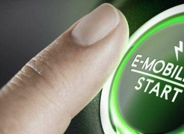 Adobestock elektrische mobiliteit start stopknop