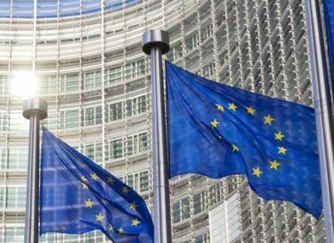Adobestock europa vlaggen gebouw