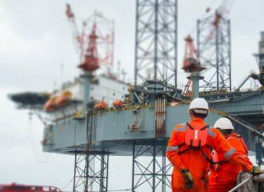 Adobestock mensen werken olie gas exxonmobil klimaatbeleid