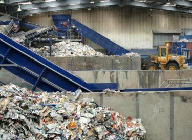 Adobestock plastic recycling fabriek