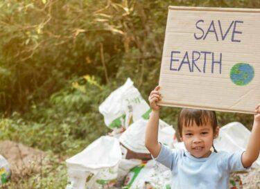 Adobestock protesteren voor groener pensioen voor toekomstige generaties