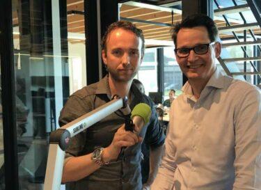Arie koornneef in studio met john van schagen