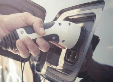 Batterij opladen auto