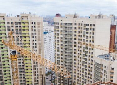 Beton flatgebouw energie batterij