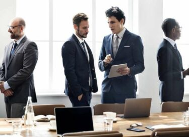 Boardroom succes mensen adobe stock