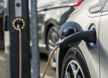 Elektrische auto opladen snelladen