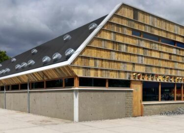 Michel kievits arcadis kringloopwinkel houten kleiner