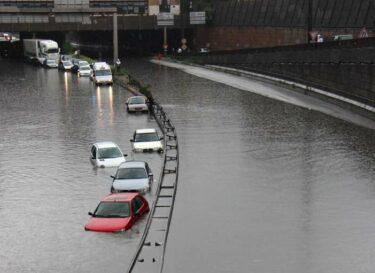 Overstroming autos