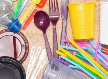Plastic lepels vorken afval niet afval bioplastic change inc adobe stock