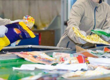 Plastic mensen afval change inc adobe stock recycling