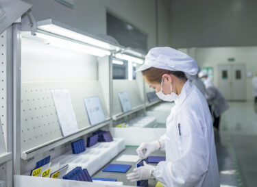 Productie van zonnepanelen in China