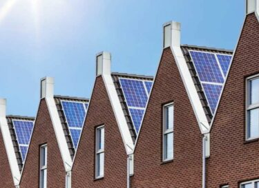 Woningen zonnepanelen dak daken woning