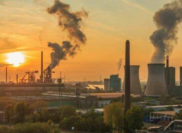 Zonsondergang energiecentrale uitstoot duitsland adobe stock change inc